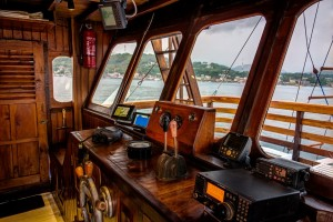 the bridge of Liveaboard MARI