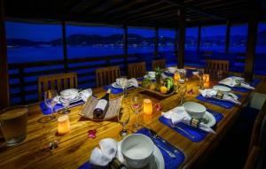 dining lounge area of Liveboard MARI