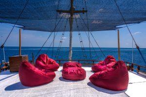 diving liveaboard indonesia / the sun deck of Liveaboard MARI